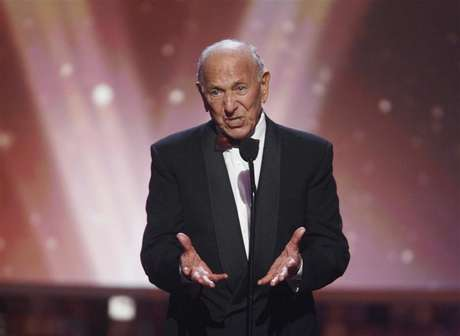 "Actor Jack Klugman, star of the TV series ""The Odd Couple"", speaks about writer, director and producer Garry Marshall who received the Legend Award at the taping of the 6th annual TV Land Awards in Santa Monica June 8, 2008."