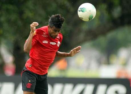 Situação de Léo Moura no Flamengo segue indefinida
