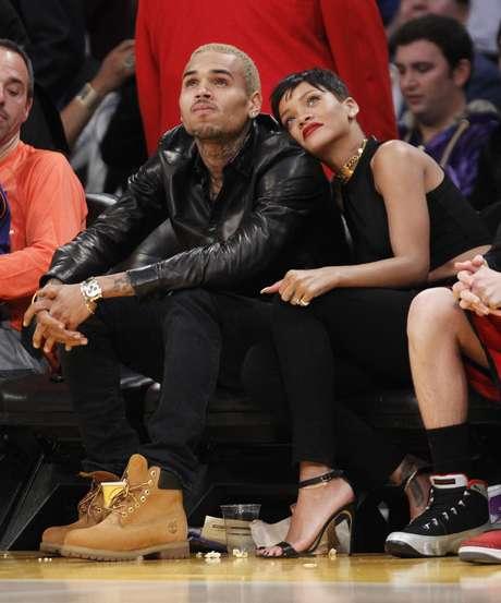 O rapper teria apagado a tatuagem na tentativa de reconquistar Rihanna