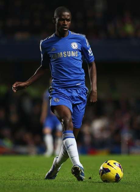 Volante Ramires, do Chelsea, é o único brasileiro eleito para seleção ideal do ano