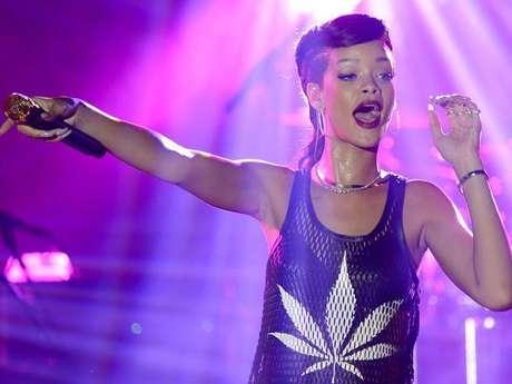 Rihanna también fue recordada en 2012 por realizar su gira exprés, '777'.