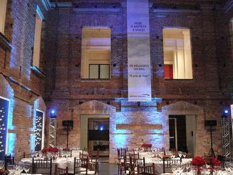 Jantar no pátio da Pinacoteca: o tour custa R$ 3500 e trata-se de um passeio realizado a portas fechadas