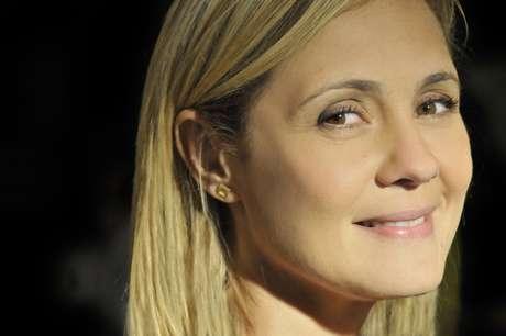 Por sua atuação como Carminha, de 'Avenida Brasil', Adriana Esteves foi eleita a melhor atriz do ano