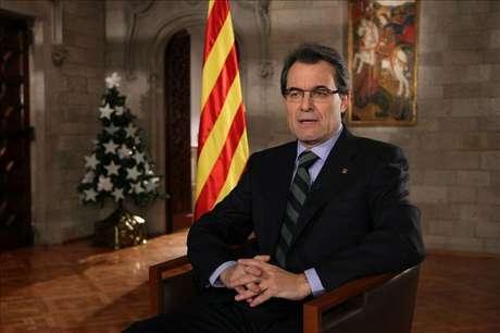 """Mas aboga por que Cataluña pueda decidir en libertad """"su futuro como nación"""""""