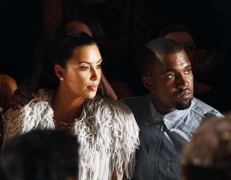 Veículos da imprensa informaram que o cantor Kanye West e estrela de TV Kim Kardashian estão esperando seu primeiro filho. 12/09/2012.