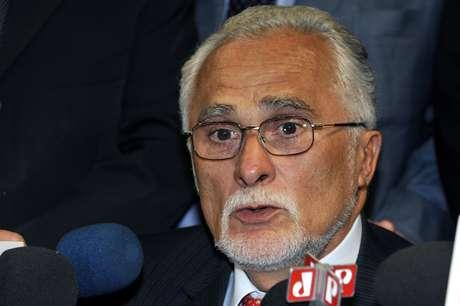 <p>O deputado JoséGenoino (PT-SP) passou por uma cirurgia na aorta em julho</p>