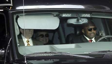 Hillary Clinton, cuando fue trasladada en el Hospital Presbiteriano en Nueva York, el miércoles.