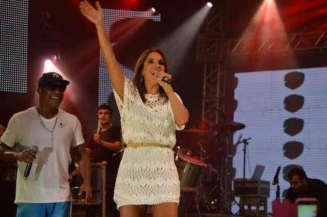 Ivete Sangalo agitou o público no ensaio do Psirico