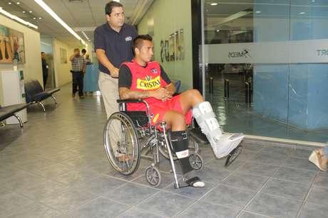 Sebastián Toro sufrió lesión en su tobillo.