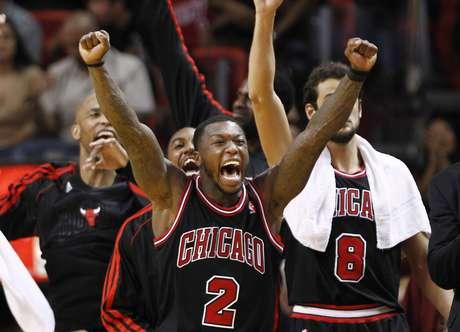"""<span style=""""color: rgb(0, 0, 0); font-family: verdana, geneva, arial, helvetica, sans-serif;"""">Los Bulls de Chicago ganaron mediante una buena defensiva y son el tercer equipo que derrotó al Heat en calidad de visitante.</span>"""
