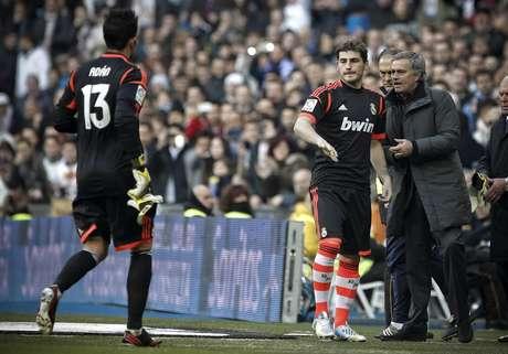Casillas entrou em campo aos 8min do jogo contra a Real Sociedad, após a expulsão de Adán