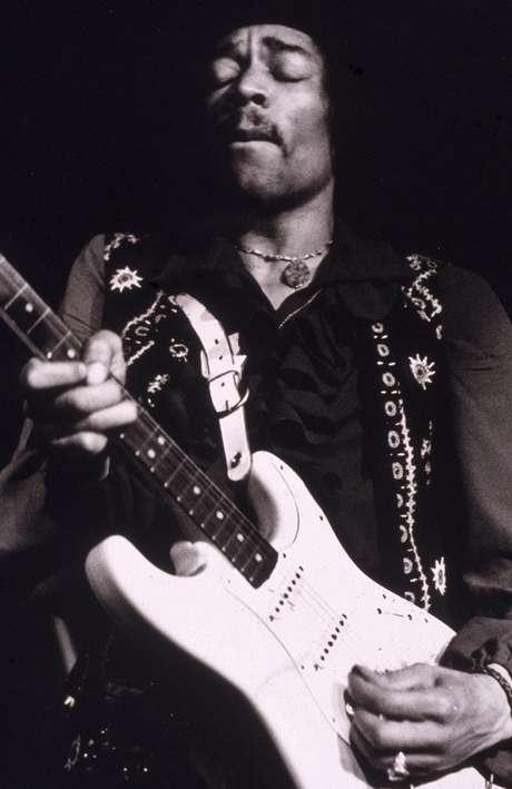 Jimi Hendrix es una de las estrellas del rock que también perdió la vida a los 27 años de edad.