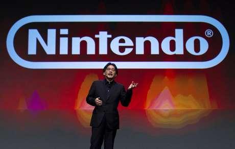 """<p>""""Não estamos planejando lançar nenhum hardware e nossa principal atividade na E3 será apresentar e deixar as pessoas vivenciar nossos softwares"""", disse o presidente da Nintendo, Satoru Iwata</p>"""