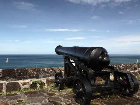 Fortalezas históricas eram a defesa das ilhas do bloco na época das grandes embarcações