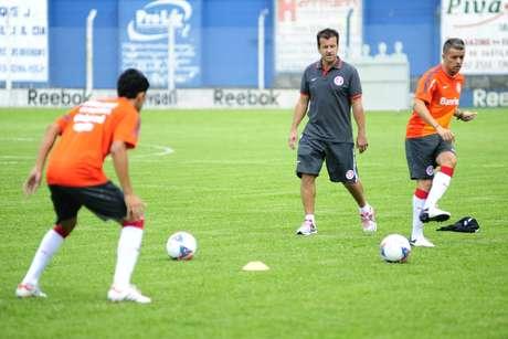 Dunga comandou treino nesta segunda no Inter