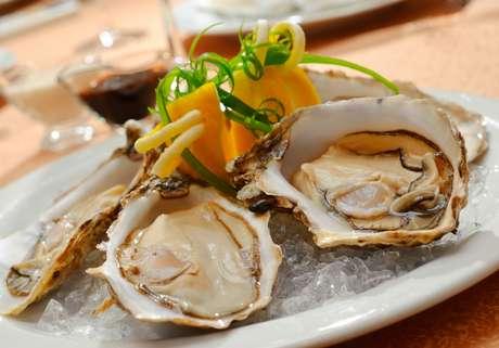 Pratos com ostras são a sensação em qualquer restaurante de frutos do mar no Caribe