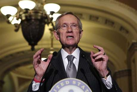 "Senate Majority Leader Harry Reid (D-NV) speaks to the media about the ""fiscal cliff"" on Capitol Hill in Washington December 18, 2012."