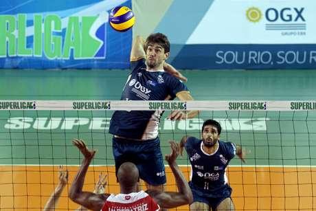 RJX, de Lucão, terminou o primeiro turno da Superliga na primeira posição