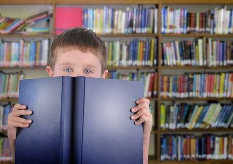 A leitura auxilia no desenvolvimento de diversas habilidades, como a criatividade, a reflexão, a fala e a escrita