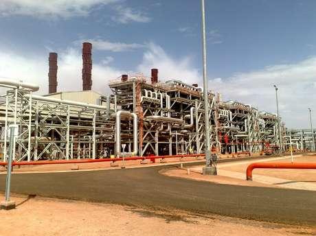 Imagem de arquivo mostra o campo de gás ocupado; testemunha diz que radicais conheciam bem o local