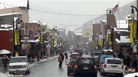 Foto de archivo de Main Street durante el Festival de Cine de Sundance en Park City, EEUU, ene 23 2012. Los ejecutivos de la industria y los directores noveles que acudan al festival de cine de Sundance este año encontrarán historias de pornografía y adicción al sexo en el certamen anual organizado por Robert Redford.