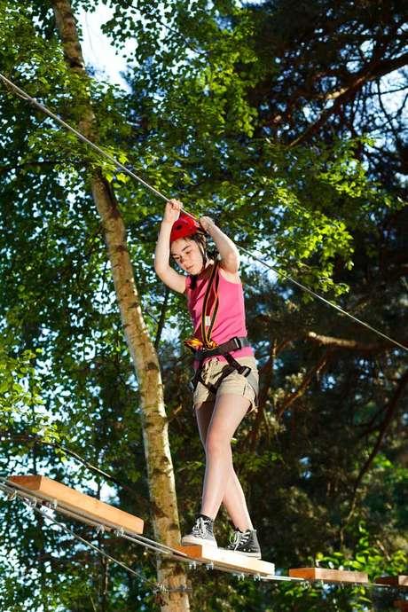 Aventura em árvores e rios é a principal atração turística do parque Wacky Rollers, na ilha caribenha