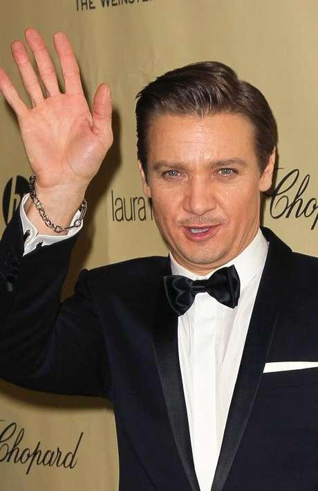 Jeremy Renner le confesó a Eva Longoria la noticia durante la pasada gala de los Globos de Oro.
