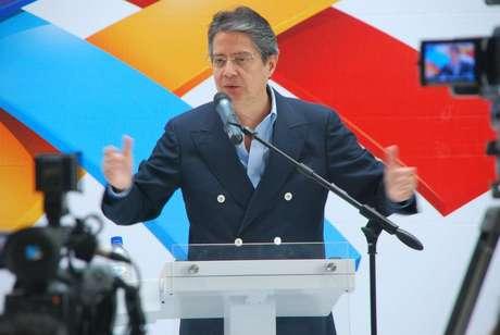 Aos 57 anos, o bancário Guillermo Lasso é o principal opositor de Rafael Correa nas eleições do próximo dia 17 de fevereiro