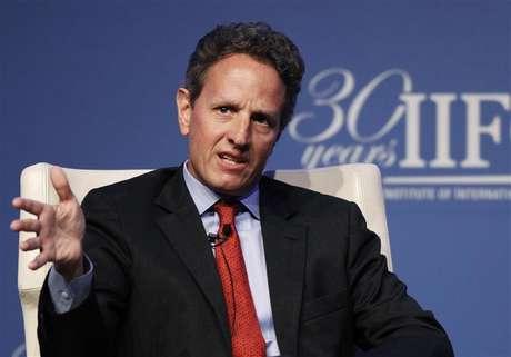 U.S. Treasury Secretary Timothy Geithner speaks at the Institute of International Finance (IIF)'s annual meeting in Tokyo October 11, 2012.
