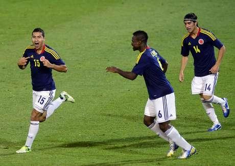 Juan Nieto celebra su anotación, que fue el primer gol de Colombia sobre Ecuador.