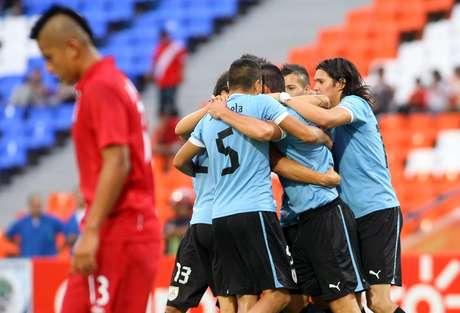 Perú cae 1-3 ante Uruguay en el inicio del hexagona del Sudamericano
