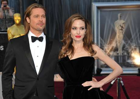 Brad Pitt quiere comprar video sexual de Angelina Jolie