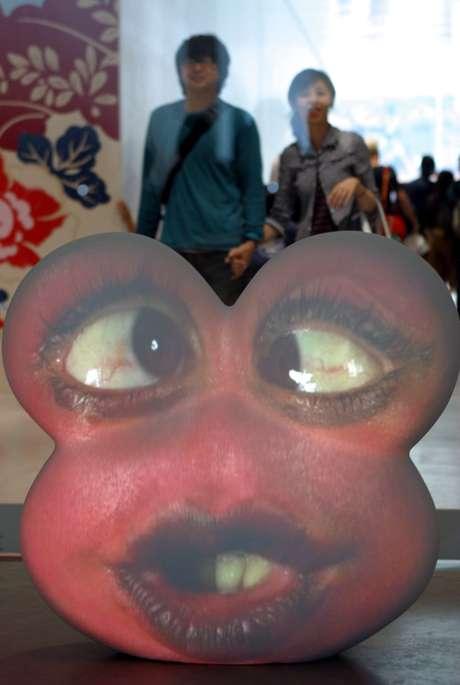 Instalação de Tony Oursler em museu no Japão: no Brasil, rostos darão vida a árvores do Ibirapuera