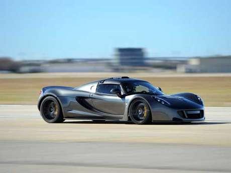 O Venom GT preparado bateu o recorde mundial de aceleração