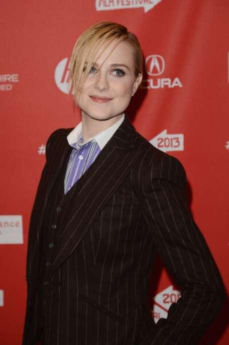 """Evan Rachel Wood sorprendió con su nuevo look de cantante punk durante la presentación del filme """"The Necessary Death Of Charlie Countryman"""" en el Festival de Cine de Sundance."""
