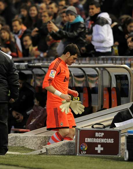 Iker Casillas of Real Madrid CF comes off after getting injured during the Copa del Rey Quarter Final, 2nd leg match between Valencia CF and Real Madrid CF at estadio Mestalla on January 23, 2013 in Valencia, Spain.