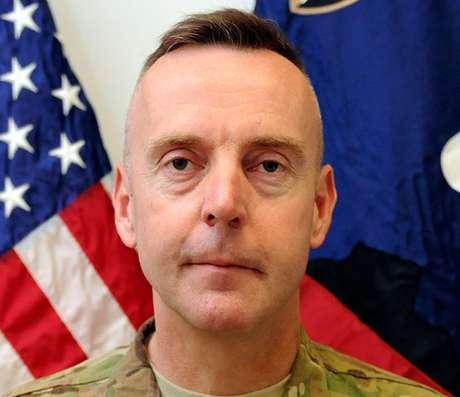 <p>Tal es el caso del general Jeffrey Sinclair, quien participó en operaciones militares en Afganistán, y ahora enfrenta una corte marcial por acusaciones de delitos sexuales.</p>