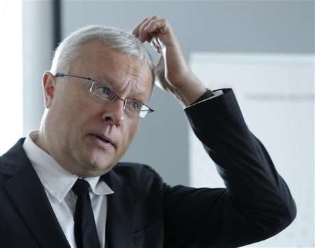 Alexander Lebedev, chairman of Russia's National Reserve Corporation, attends an interview with Reuters journalists in Moscow September 25, 2012.