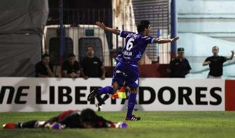 Peñalba (foto) e Leguizamón marcara os gols do time argentino, que venceu de virada em casa