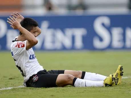 Zizao foi titular, mas não conseguiu ajudar o Corinthians a vencer nesta quarta