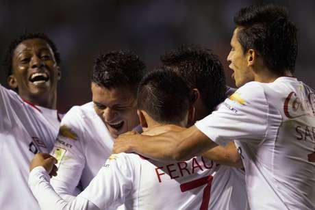 Após primeiro tempo morno, LDU marcou o gol da vitória e ficou na frente na briga por vaga na fase de grupos