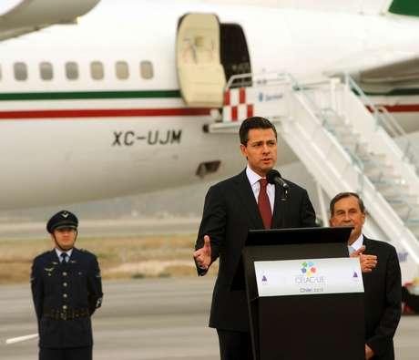 Peña Nieto arribó a Chile, donde participará en la Cumbre de Jefes de Estado de América Latina, el Caribe y de la Unión Europea.<br />