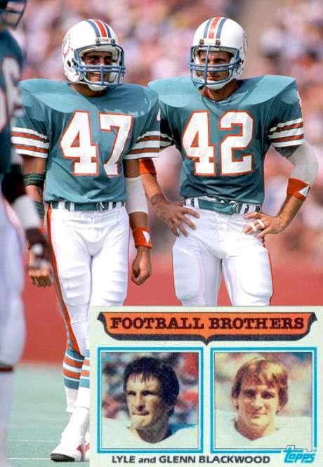 Glen y Lyle Blackwood. Los hermanos Blackwood jugaron con los Delfines de Miami en el SBXVII and SBXIX.