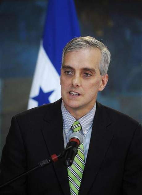 U.S. Deputy National Security Advisor Denis Mcdonough addresses the media in Tegucigalpa November 28, 2012. Macdonough is in Honduras on an official visit.