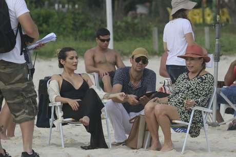 Atrizes durante filmagens para 'Salve Jorge' na praia de Recreio dos Bandeirantes