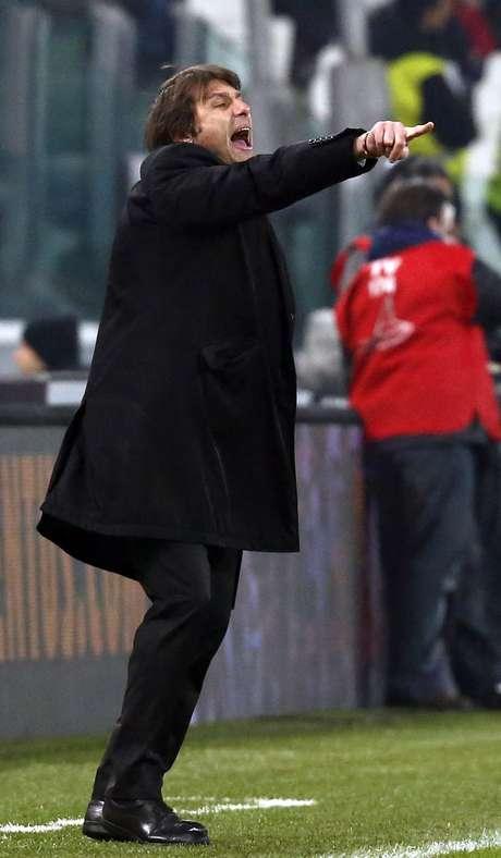 Juventus coach Antonio Conte gestures during the match against Genoa. REUTERS/Stefano Rellandini