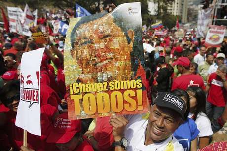Supporters of Venezuela's President Hugo Chavez attend a rally to commemorate the 55th anniversary of the last Venezuelan dictatorship collapse, in Caracas January 23, 2013.