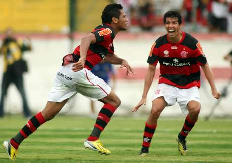 """Hernane """"Brocador"""" tem contrato curto com o Flamengo"""