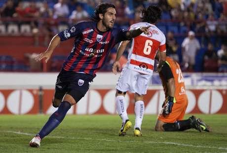 El argentino Joaquín Larrivey se 'estrenó en el futbol mexicano e hizo los dos primeros goles del Atlante.