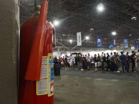 Possibilidade de incêndio preocupa participantes da Campus Party; especialista garante que plano de emergência é satisfatório